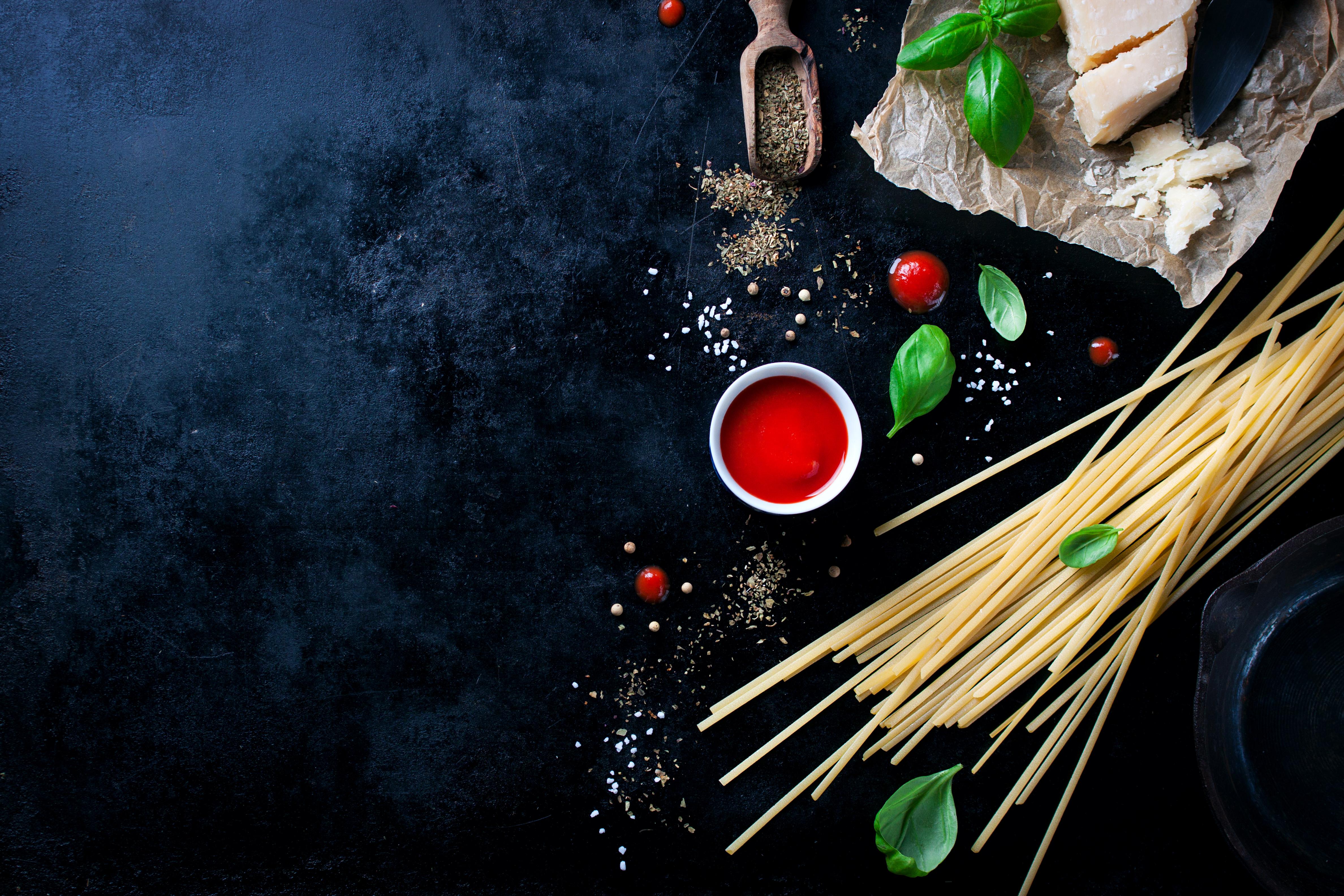 Spaghetti mad basilikum
